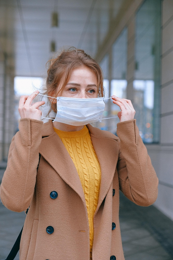 woman-wearing-face-mask-3902882