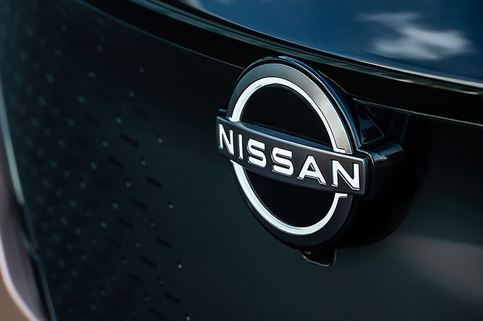 https___hypebeast.com_image_2020_07_nissan-new-2020-redesigned-logo-badge-unveil-info-002