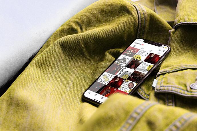 IphoneX-JacketMockup